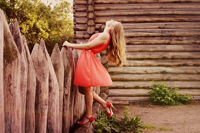 dress-864107_640