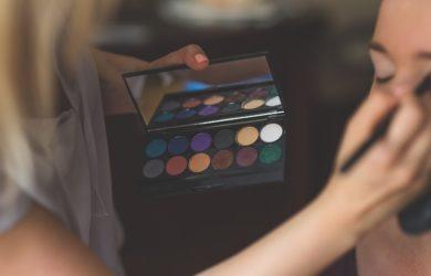 makeup-791303_640
